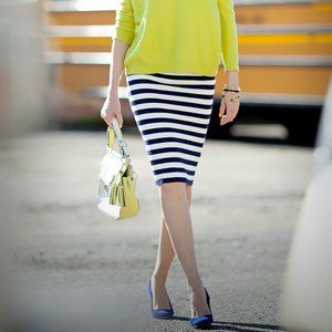 SEXY fitted NAVY WHITE STRIPE stretch pecil skirt